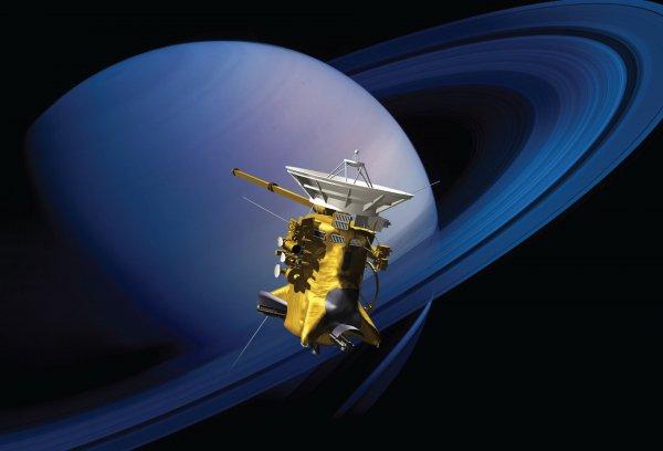 Инопланетные звуки записал Cassini возле колец Сатурна
