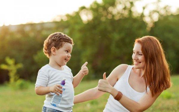 Похвала улучшает поведение детей — Ученые