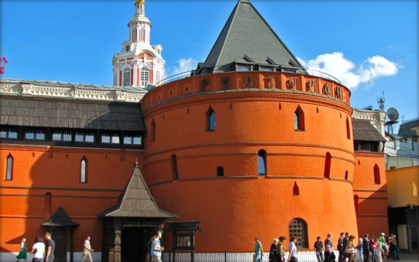 Археологи обнаружили пять тайных комнат в Китайгородской стене Москвы