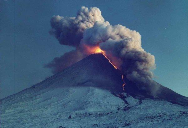 Российские учёные нашли способ предугадывать извержения вулканов