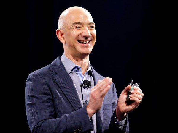 Глава Amazon  хочет соорудить город на Луне