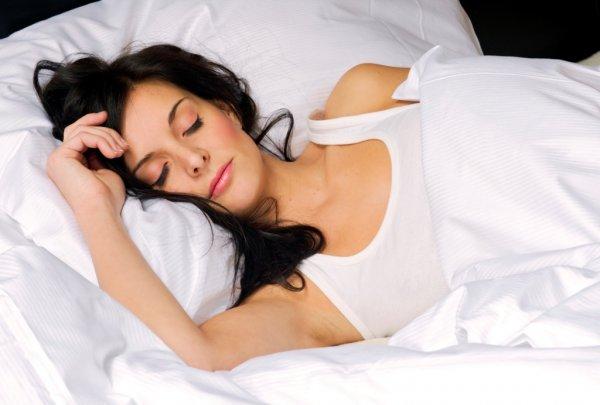 Ученые рассказали, в какую погоду человеку сложнее выспаться