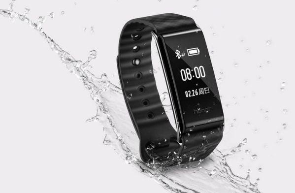 Huawei представил недорогой фитнес-браслет Honor Band A2