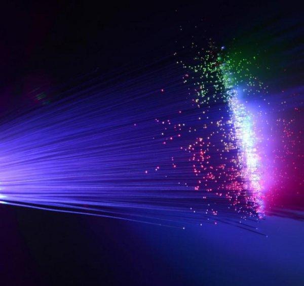 Ученые создали сверхтекучую жидкость из света