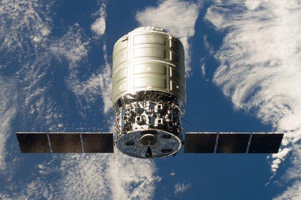 Космический корабль Cygnus сгорел а атмосфере Земли