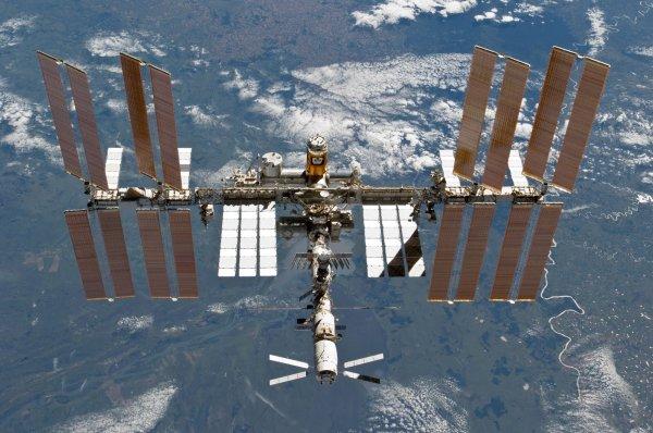 В пятницу с МКС запустят спутники Bird
