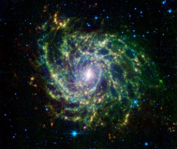 Телескоп Hubble нашел «спрятанную» галактику
