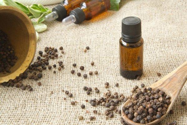 Ученые: Эфирное масло черного перца избавит от алкогольной и никотиновой зависимости