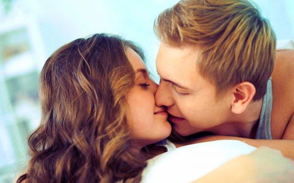 Ученые раскрыли секрет техники поцелуя