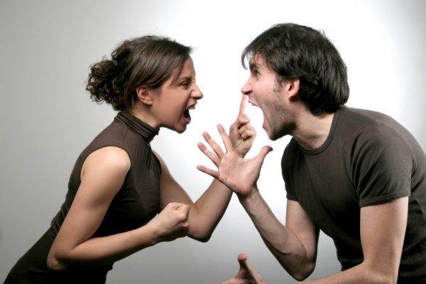Исследователи: Семейные пары больше скандалят по четвергам