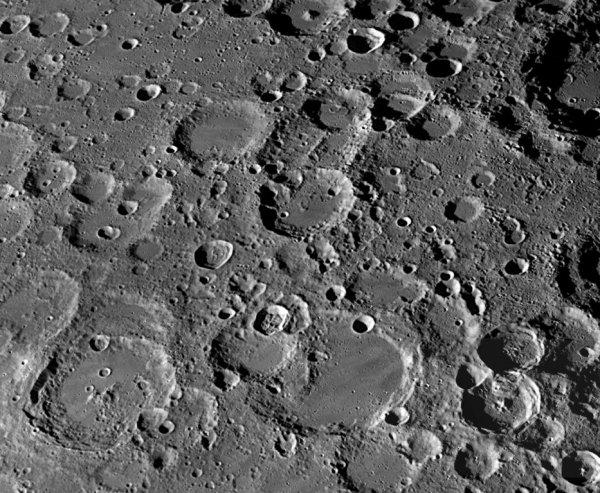 Учёные: Человечество в будущем будет сражаться за Луну