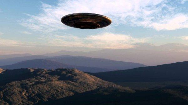 Возле Ванкувера заметили НЛО в форме светящегося куба