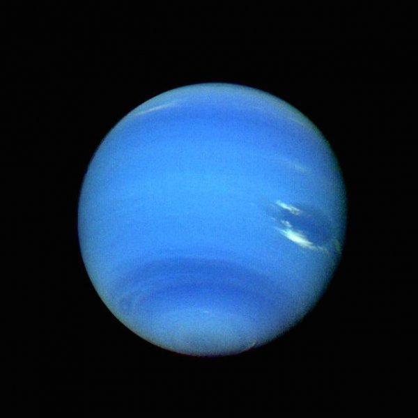 Уфологи уверены, что на Нептуне инопланетяне проводят испытания ядерного оружия