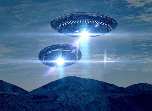 На Марсе обнаружен вход в тоннель инопланетян: Новый факт в старой теории?