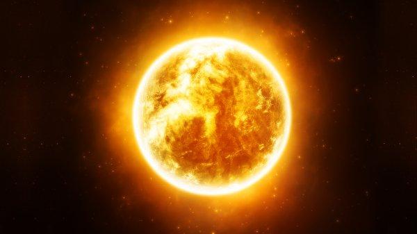 Ученые заметили огромный НЛО возле Солнца до его затмения