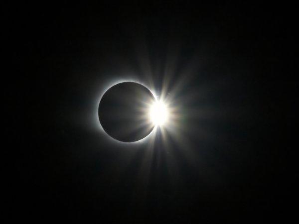Ученые: От затмения может пострадать фотоаппарат без фильтров и глаза