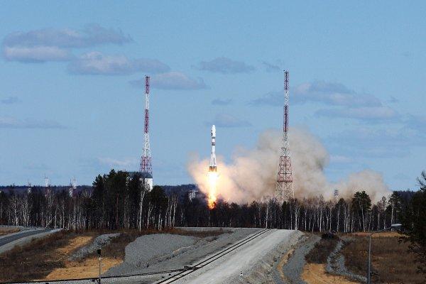Четыре отправленных «Союзом» спутника не выходят на связь