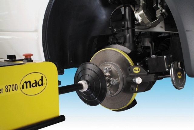 Восстановить эффективность работы тормозной системы можно путем проточки дисков