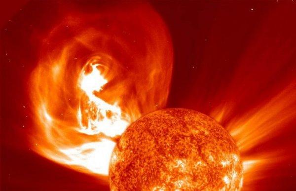 Недавняя вспышка на Солнце станет причиной мощной магнитной бури 13 сентября