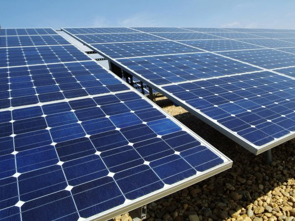 Китай наладит массовое производство солнечных панелей с высоким КПД