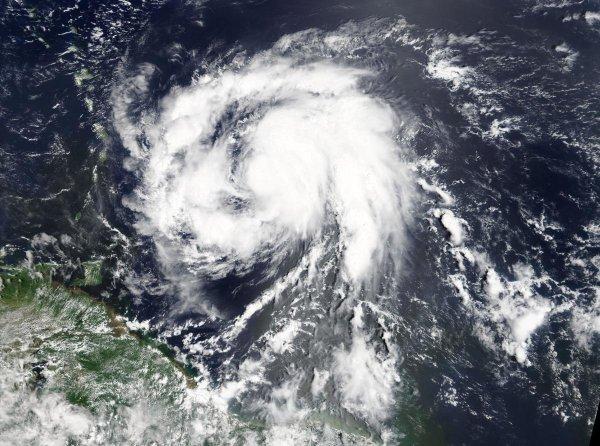 NASA опубликовало видео с развитием урагана «Мария»