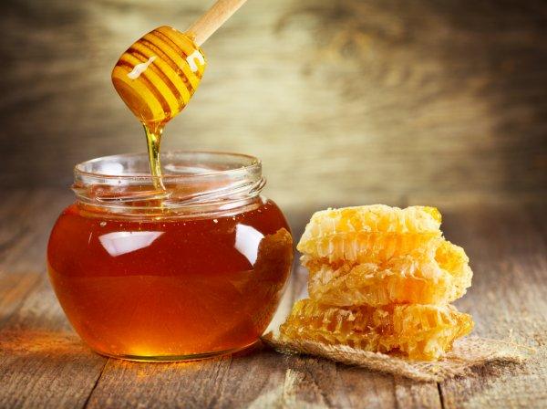 Ученые рассказали, почему необходимо есть мёд каждый день