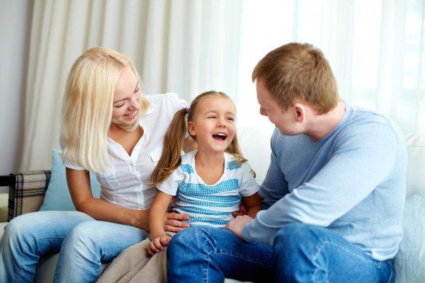 Ученые: Дети с 15-месячного возраста копируют поведение и привычки родителей