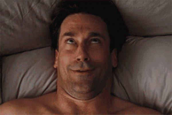 Ученые рассказали о причинах симуляции оргазма у мужчин и женщин
