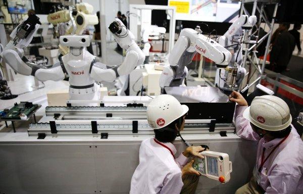Эксперты развеяли мифы о роботах и рабочих местах