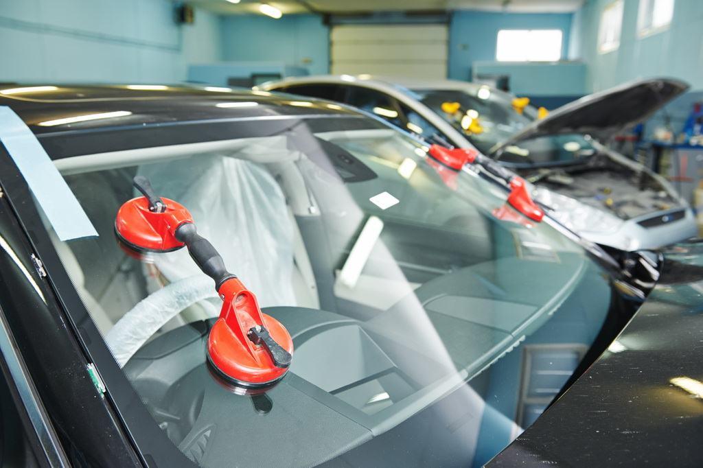 Качественная замена любого стекла в автомобиле