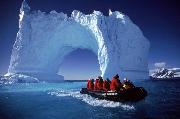 ЦРУ США обнаружили расу гигантов в Антарктиде