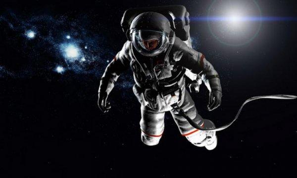NASA: Астронавты проведут в открытом космосе 6,5 часов
