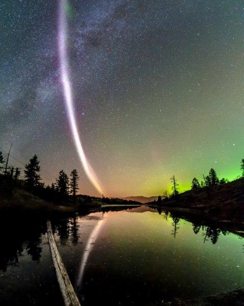 Дуга смерти над Канадой: Снова НЛО или природное явление?