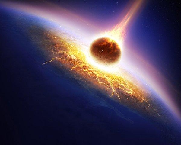 В небе над Китаем взорвались необычайно яркие метеориты