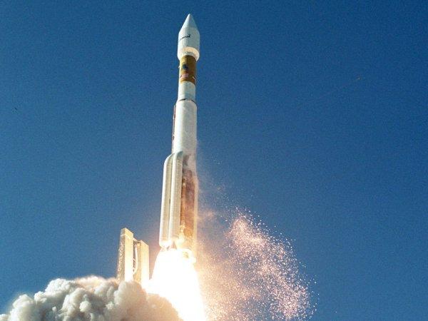 Запуск секретного спутника разведки США отложен третий раз к ряду