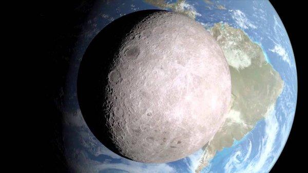 Ученые снова заметили странные свечения на Луне