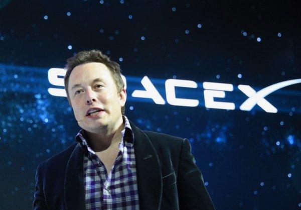 NASA отдаст лунную миссию SpaceX Илона Маска