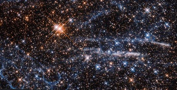Астрономы опубликовали потрясающее фото «дуэта двух туманностей»