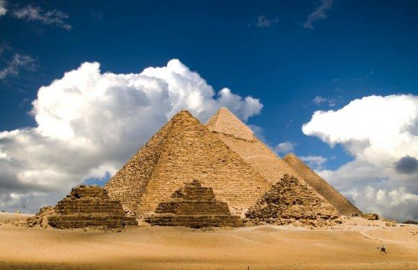 Ученые нашли в Египте деревянную статую возрастом четыре тысячи лет