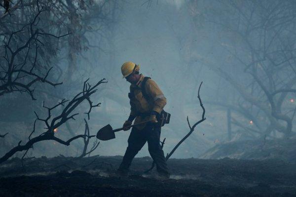 Учёные выяснили, что пожарные чаще болеют онкологией: Какие ещё профессии принадлежат к опасным?