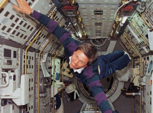 Немецкий астронавт рассказал о сексе в космосе: Подробности интимной жизни за пределами Земли