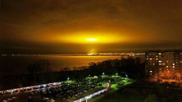 В Оренбурге жители засняли странное свечение в небе