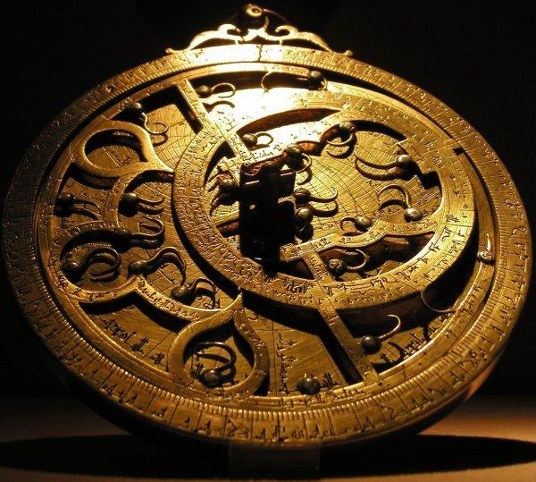 Ученые: В Индийском океане нашли самую старую астролябию