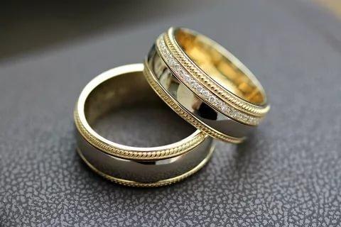 Ученые: Обручальные кольца вредят мужскому здоровью