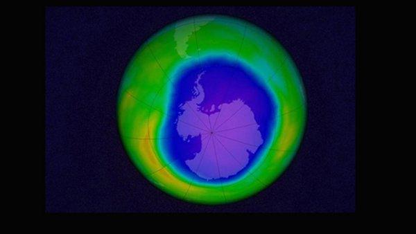Ученые: Озоновая дыра над Антарктикой сократилась до размеров 1988 года