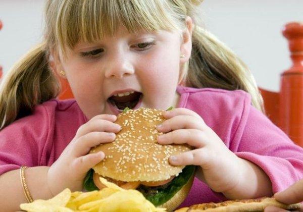 Ученые: Дети из многодетных семей реже страдают от ожирения
