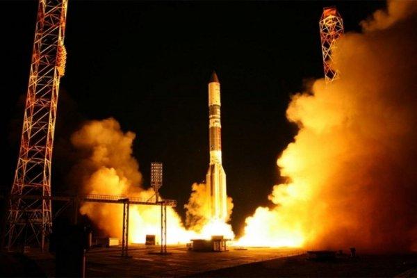 Китай впервые вывел на орбиту два спутника навигации