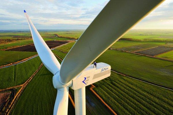 В Германии соорудили крупнейший в мире ветряк-аккумулятор