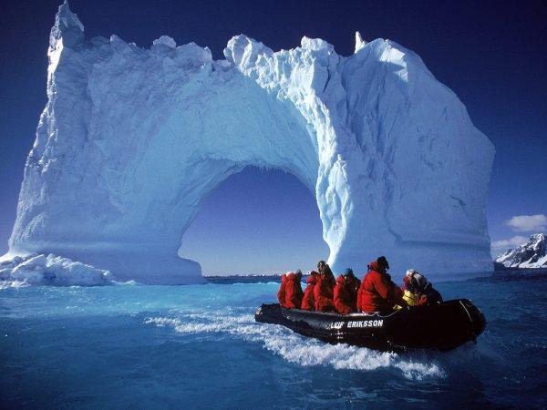 Антарктика превращена учеными в детектор частиц
