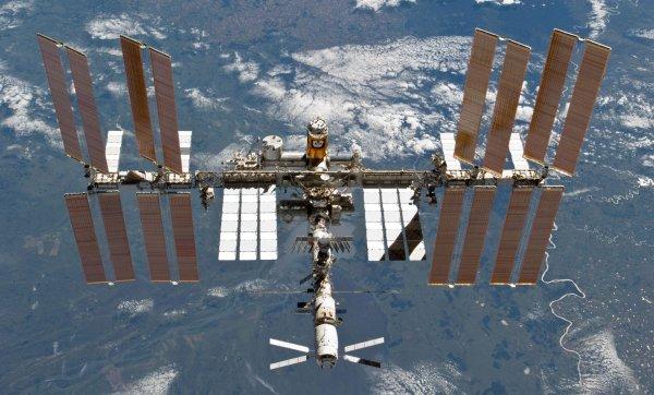 «Роскосмос» отправит на МКС полный экипаж космонавтов
